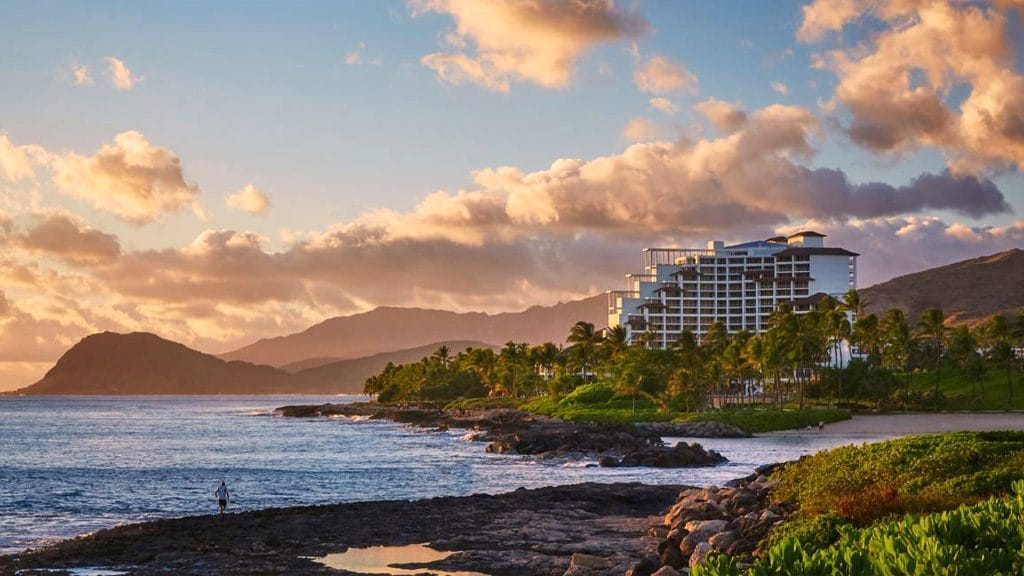 How to Hawaii Hop for the Ultimate Island Honeymoon