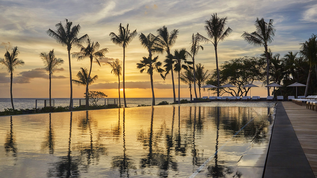 "Hawaii Go ""All In"" with Three-island, Twelve-Night Luxury Vacation to Benefit Covid-19 Relief Charities"